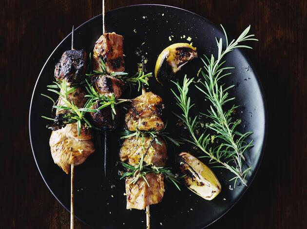 Grilled rosemary pork skewers with vegetables